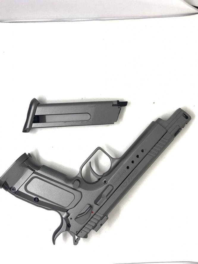 pistola de pressao cybergun tanfoglio 45mm full metal co2 2 666x888 - Pistola de Pressão Cybergun Tanfoglio 4,5mm Full metal Co2 - MOSTRUÁRIO