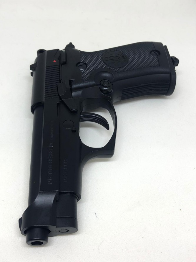 pistola pressao beretta 84fs co2 45mm 2 666x888 - Pistola Pressão Beretta 84FS Co2 4,5mm - Blow Back