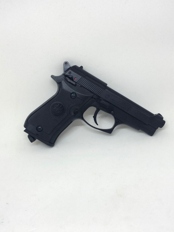 pistola pressao beretta 84fs co2 45mm 666x888 - Pistola Pressão Beretta 84FS Co2 4,5mm - Blow Back