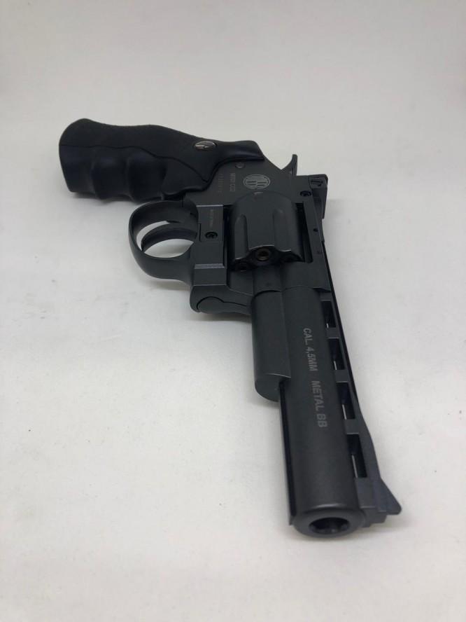 revolver pressao full metal rossi m701 45mm 2 666x888 - Revolver Pressão Full Metal Rossi M701 4,5mm